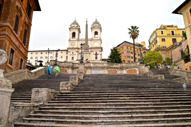 Turistai Romoje nebegalės prisėsti ant garsiųjų Ispaniškųjų laiptų