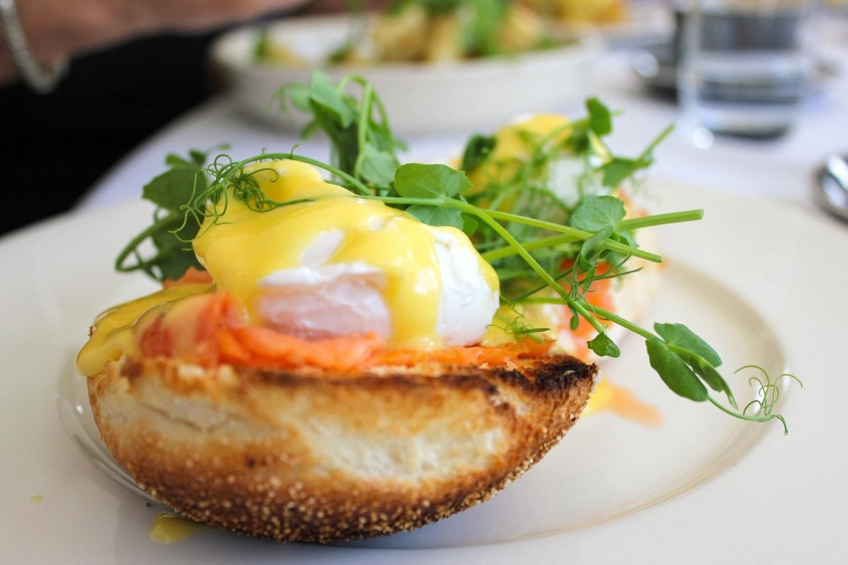 Paneigtas mitas, kad vėlyvieji pusryčiai – brangūs (+ 3 pigūs receptai)