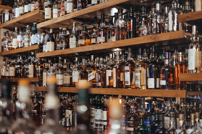 Pirmąją mokslo metų dieną alkoholio pardavinėti įstatymas nedraus