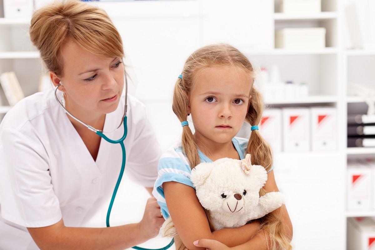Šiandienos aktualijos: šlubuojanti vartotojų teisių apsauga, nereikalingi pediatrai ir automobilių priežiūra vasarą