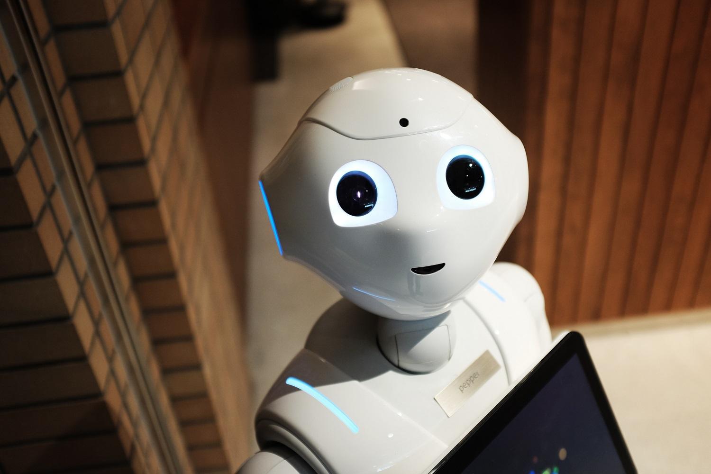 Robotika – padeda labiau įtraukti mileniumo kartos atstovus į naują darbą