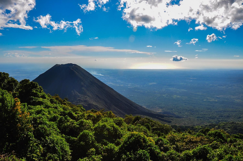 Salvadoras – gaujų karaliavimo teritorija