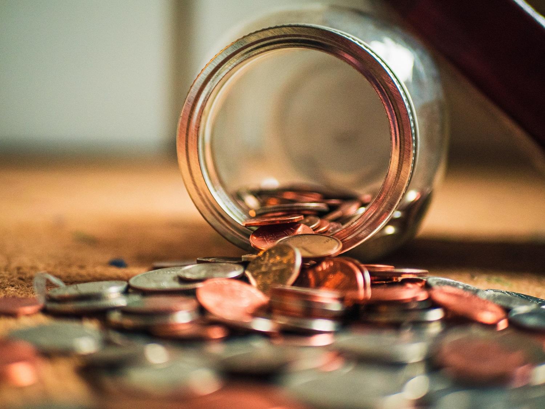 Besivystančių šalių skola pernai šoktelėjo iki 7,1 trln. eurų