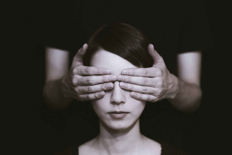 Netekus regėjimo keistųsi ir profesija, ir santykiai su artimaisiais: kiek žmonių tam pasiruošę?