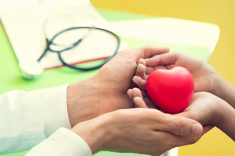Šiandienos aktualijos: kainų šokinėjimas, skaidresni darbo skelbimai ir Bažnyčios požiūris į organų donorystę