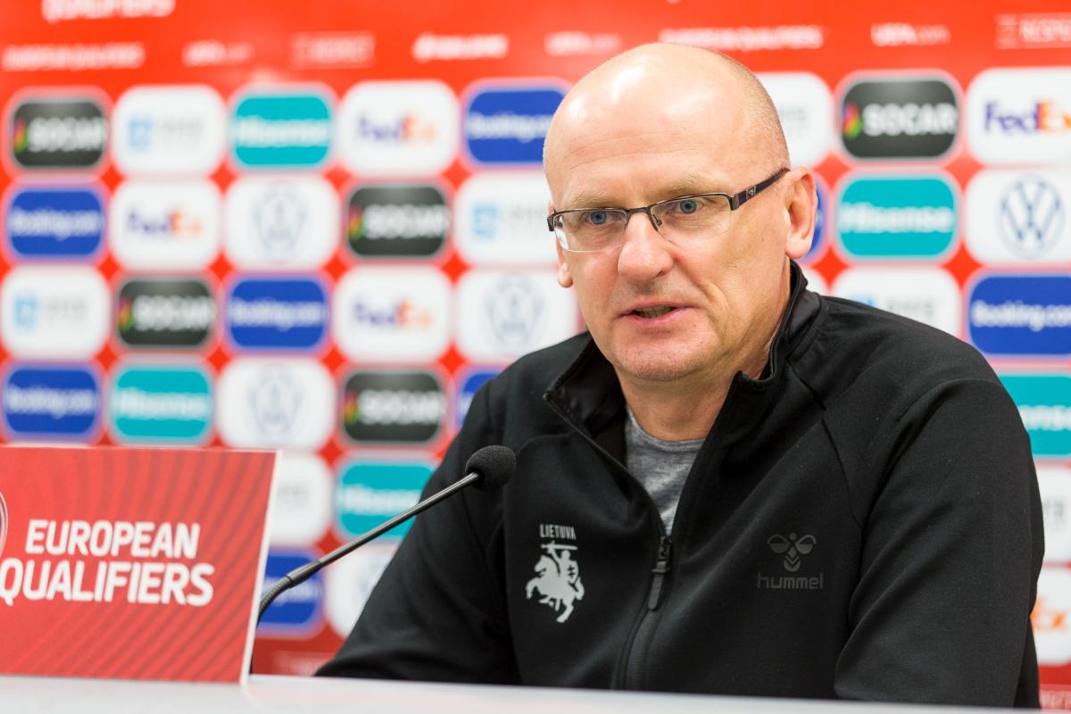 Futbolo rinktinės treneris V.Urbonas: serbų pokyčiai - šansas mums