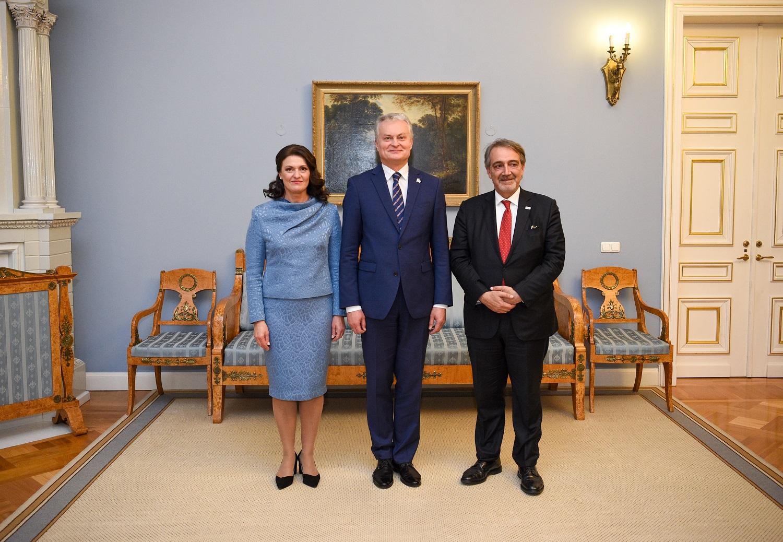 "G. Nausėda: ""Lietuva ir toliau rems humanitarines iniciatyvas"""