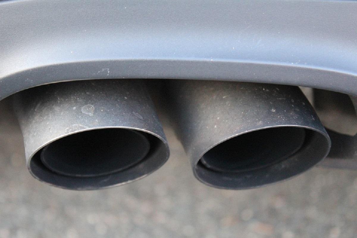 Vairuotojo dilema: laukti kol taršos įstatymas įsigalios, ar naują automobilį įsigyti jau dabar?