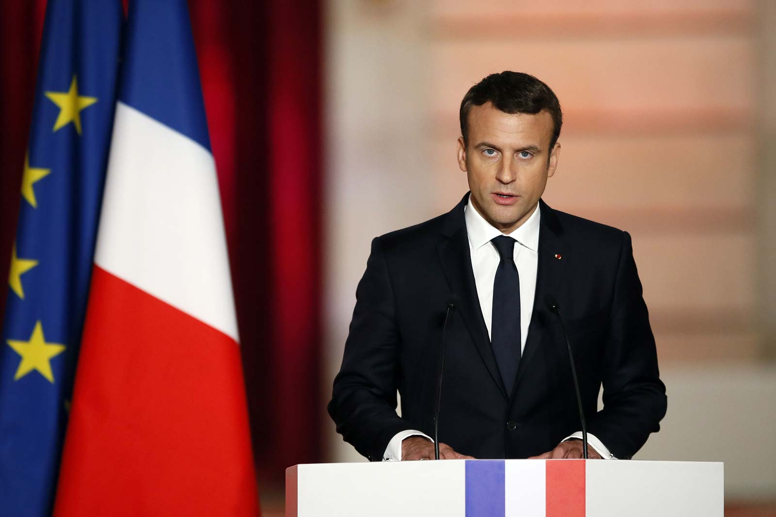 """Turkijos užsienio reikalų ministras kaltina E. Macroną """"terorizmo rėmimu"""" Sirijoje"""