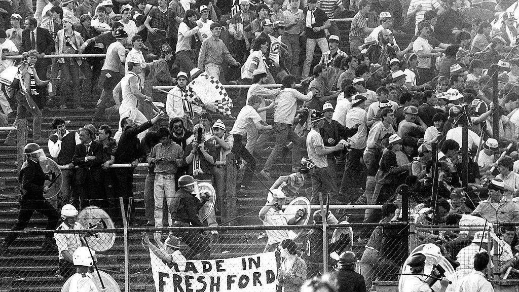 Futbolo karas kilo ne vien dėl futbolo