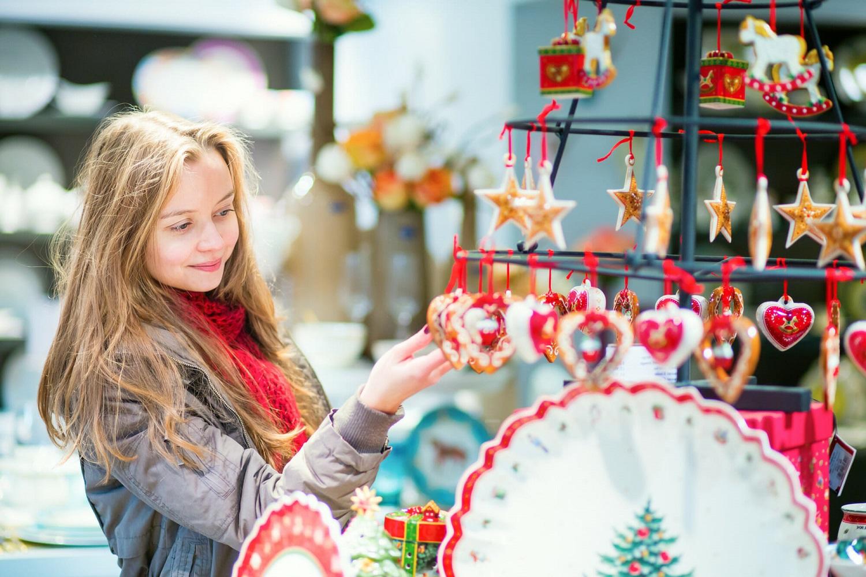 Šiandienos aktualijos: pervargę Lietuvos gydytojai, socialinės paramos rebusas ir įsisiūbavusi kalėdinė prekyba