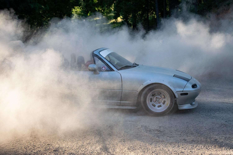 Automobilių mokestis įsigalios vėliau, jame bus ir išimčių