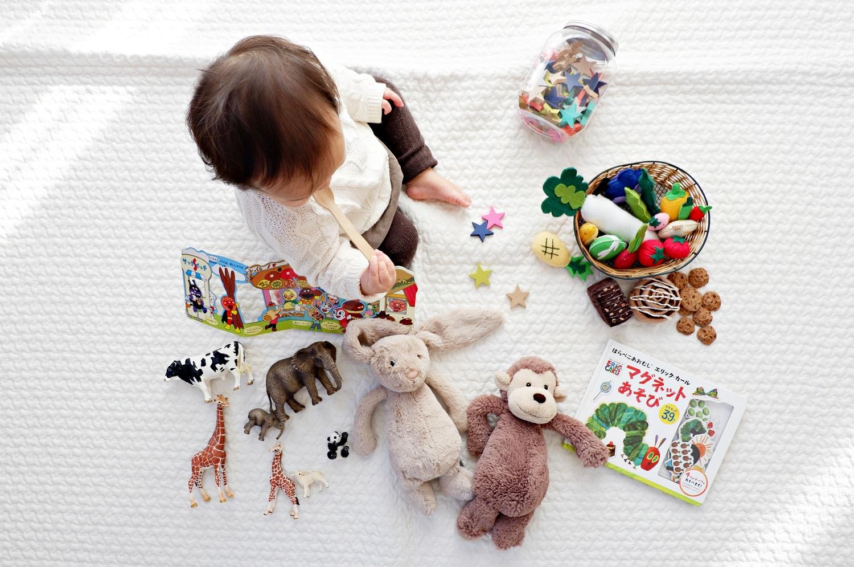 Šiandienos aktualijos: populiariausi žaislai vaikams, žemėjanti rinkimų kartelė ir girgždantys šuliniai