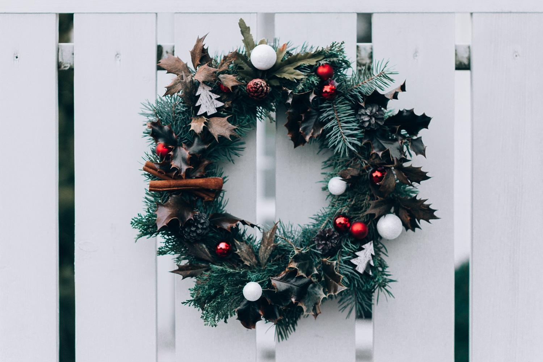 Kalėdinės pamokėlės: kaip nusipinti šventinį vainiką?
