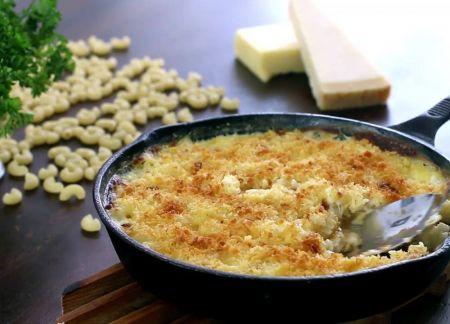 Greitai ir sočiai: orkaitėje kepti makaronai su sūriu (video)