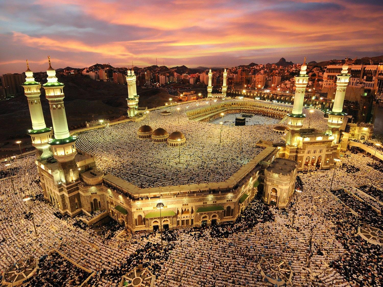 """""""Prisiekite Mahdžiui!"""": teroras svarbiausioje musulmonų šventovėje"""