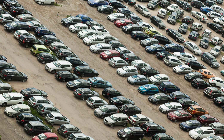 """""""Swedbank"""" statistika: lietuviai savo automobilį keičia rečiausiai iš Baltijos šalių gyventojų"""