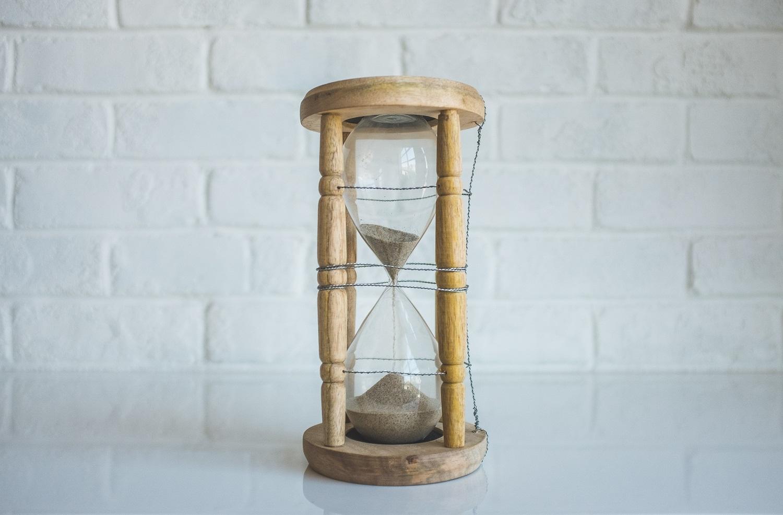 """""""Pasaulio pabaigos laikrodis"""" rodo 100 sekundžių iki vidurnakčio"""