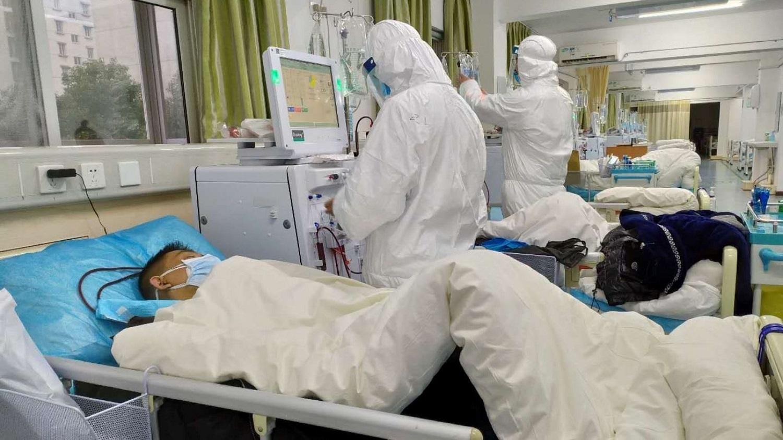 Daugiau nei 100 žmonių pražudęs koronavirusas artėja prie Lietuvos