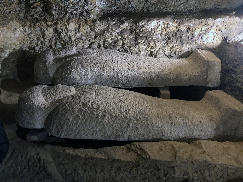 Egipte rastos beveik 3000 metų senumo kapavietės su sarkofagais