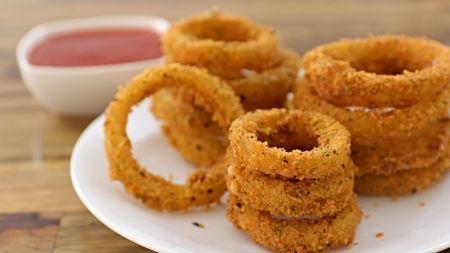 Pasigaminkite – traškūs svogūnų žiedai (video)