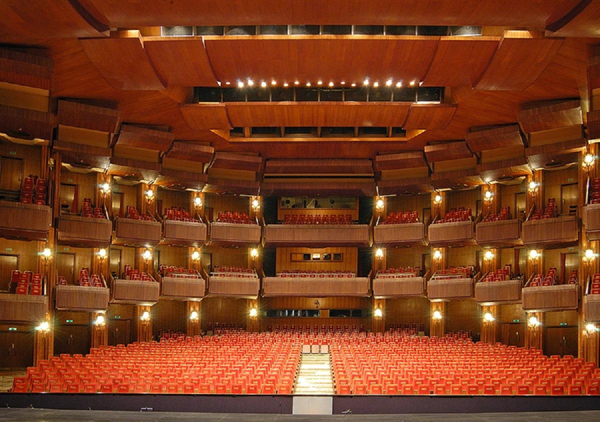 """Jubiliejinio """"Kino pavasario"""" staigmena žiūrovams – išskirtiniai seansai Lietuvos nacionaliniame operos ir baleto teatre"""