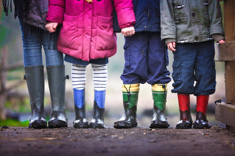 Ataskaita: pasaulyje daugiau kaip 400 mln. vaikų auga karo zonose