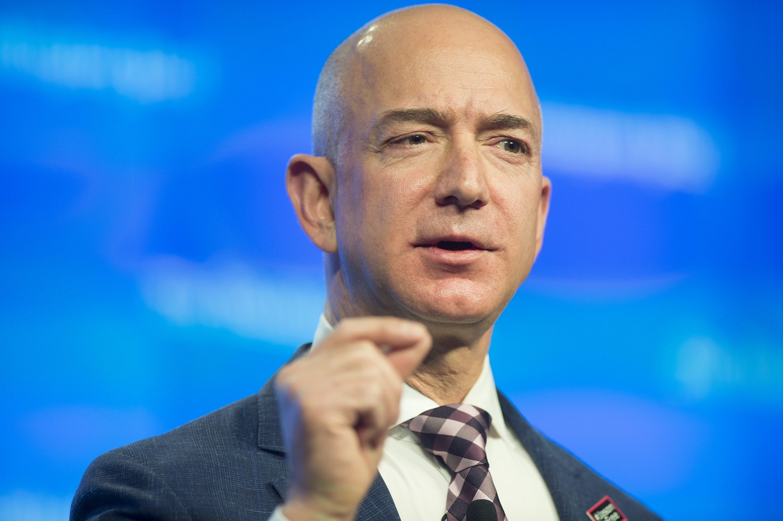 """""""Amazon"""" įkūrėjas J. Bezosas žada skirti 10 mlrd. dolerių kovai su klimato kaita"""