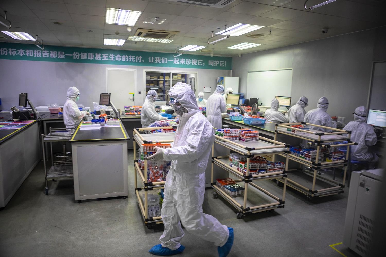 Balandžio pabaigoje Kinija pradės koronaviruso vakcinos klinikinius tyrimus
