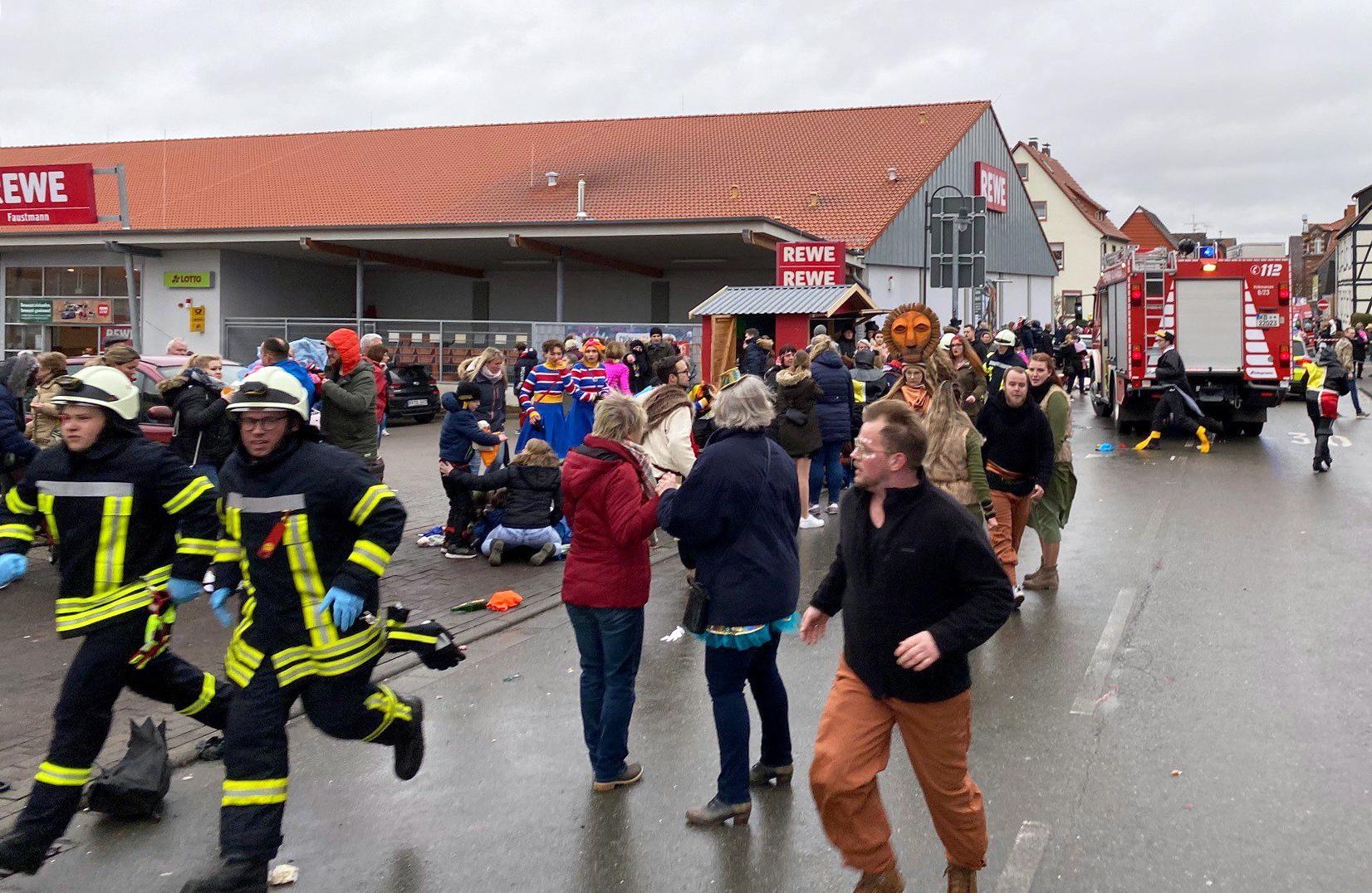 Vokietijos policija: vairuotojas tyčia nukreipė automobilį į žmones, bet tai ne teroro aktas
