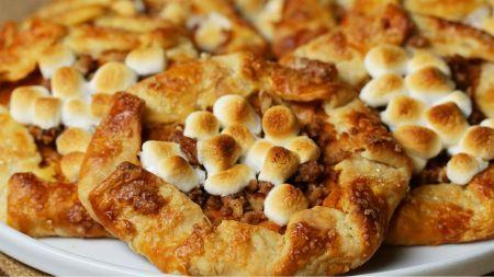 Netradicinis skanėstas – saldžiųjų bulvių pyragėliai (video)