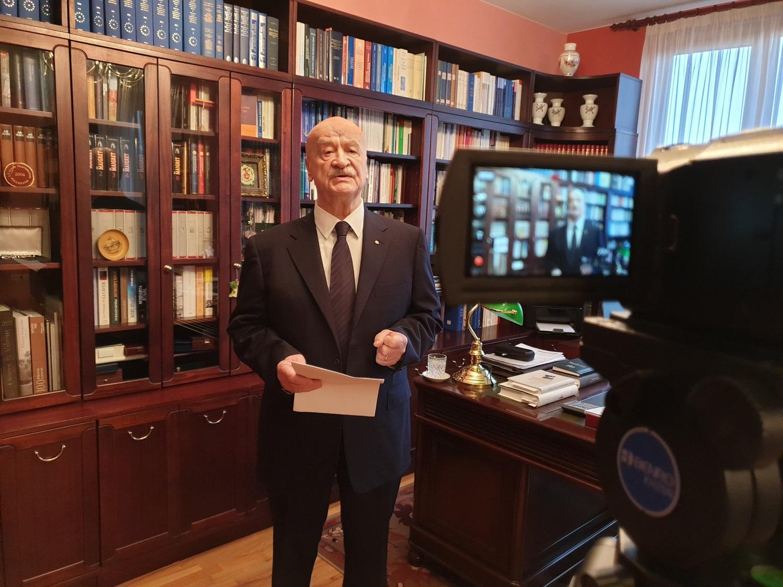 Pirmasis nepriklausomos Lietuvos Teisingumo ministras papasakojo, kaip buvo rengiamas svarbiausias valstybės dokumentas