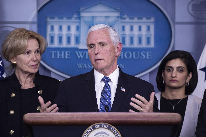 JAV viceprezidentas: vaistai nuo koronaviruso gali būti prieinami jau šią vasarą