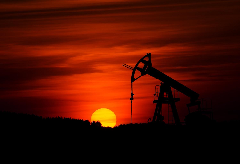 Saudo Arabijai pradėjus kainų karą, atpigo nafta