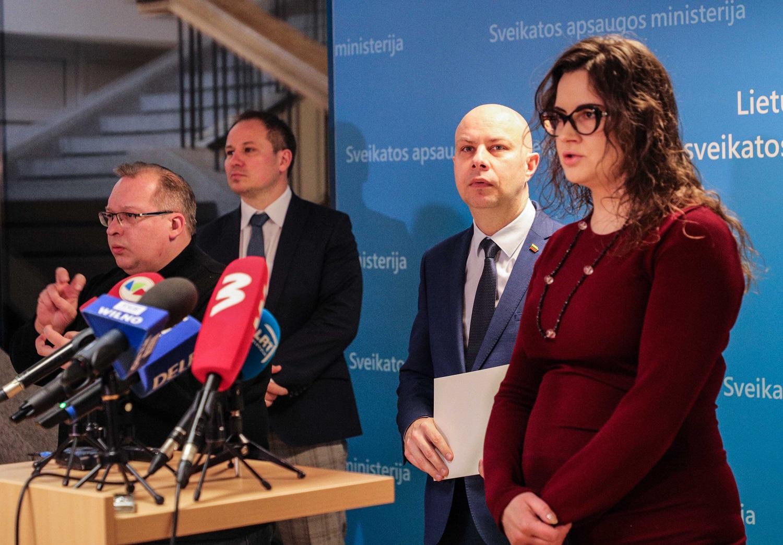 A. Veryga: panašu, kad gydytoja iš Ukmergės ligoninės nedirbo Kauno ir Vilniaus gydymo įstaigose