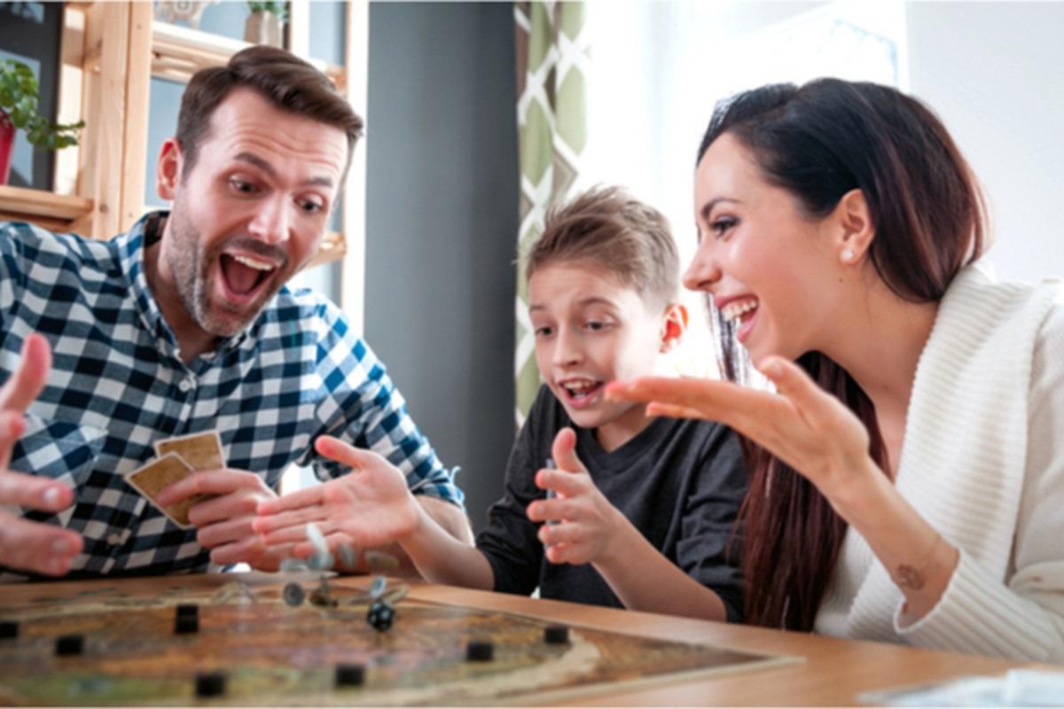 Idėjos karantinui: ką veikti kartu su vaikais namuose?