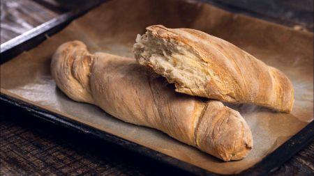 Balta naminė duona vos iš keturių ingredientų (video)
