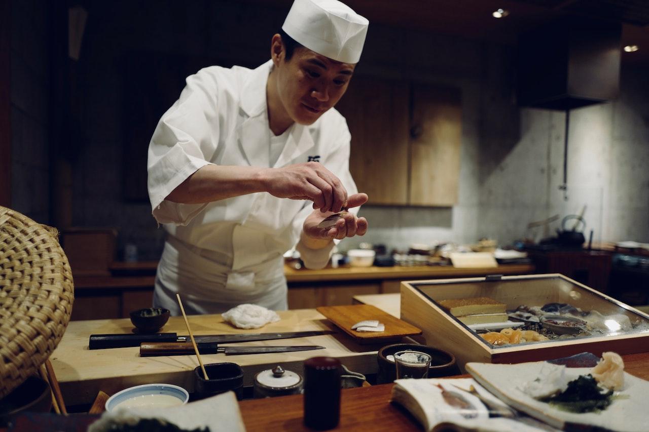 Keliaukite neišeidami iš namų: Japonijos virtuvės idėjos lengvai vakarienei