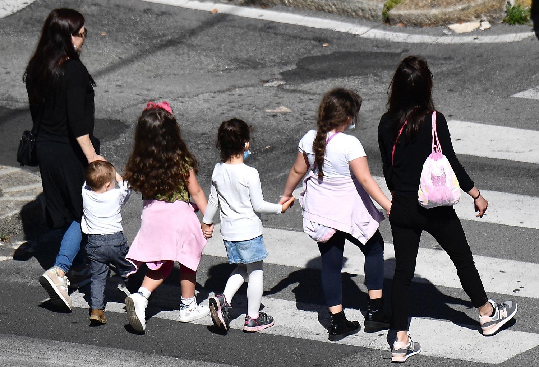 Italija po beveik dviejų mėnesių švelnina vienus griežčiausių pasaulyje judėjimo ribojimus