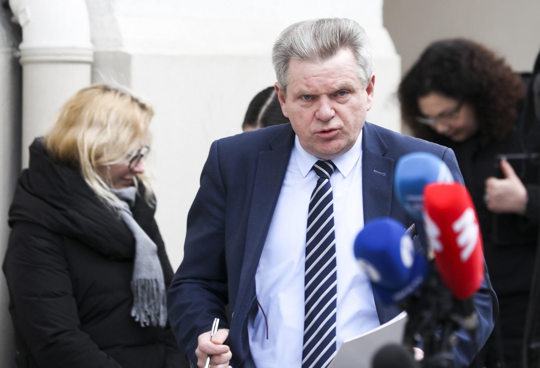 Politologas: premjero gynybinė taktika dėl J. Narkevičiaus yra valdančiosios daugumos bruožas