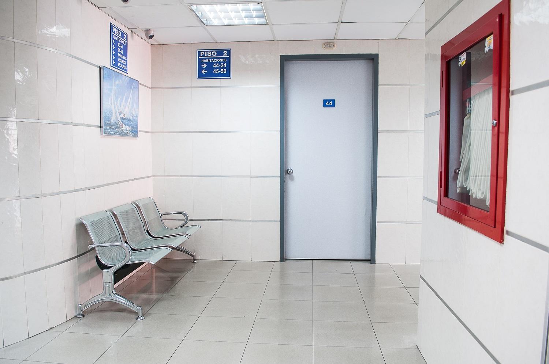 Gydymo įstaigos raginamos greičiau atverti duris pacientams
