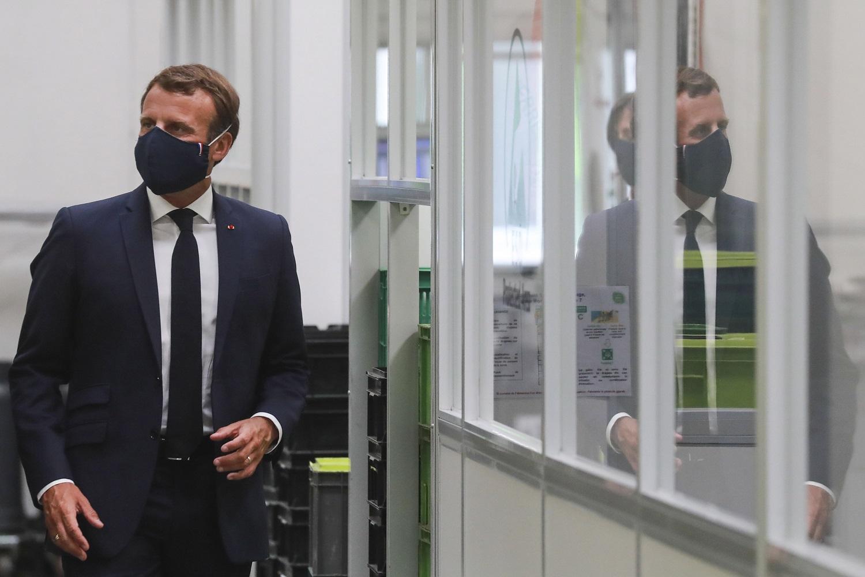 E. Macronui nugarą atsuko dar dalis jo partijos deputatų