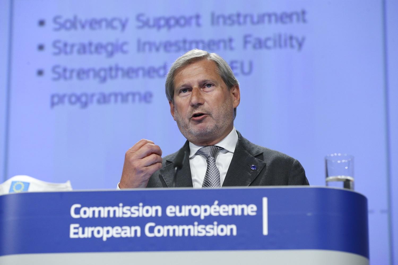 """ES biudžeto komisaras: """"nėra plano B"""", jei žlugtų ekonomikos gelbėjimo plano ratifikavimas"""