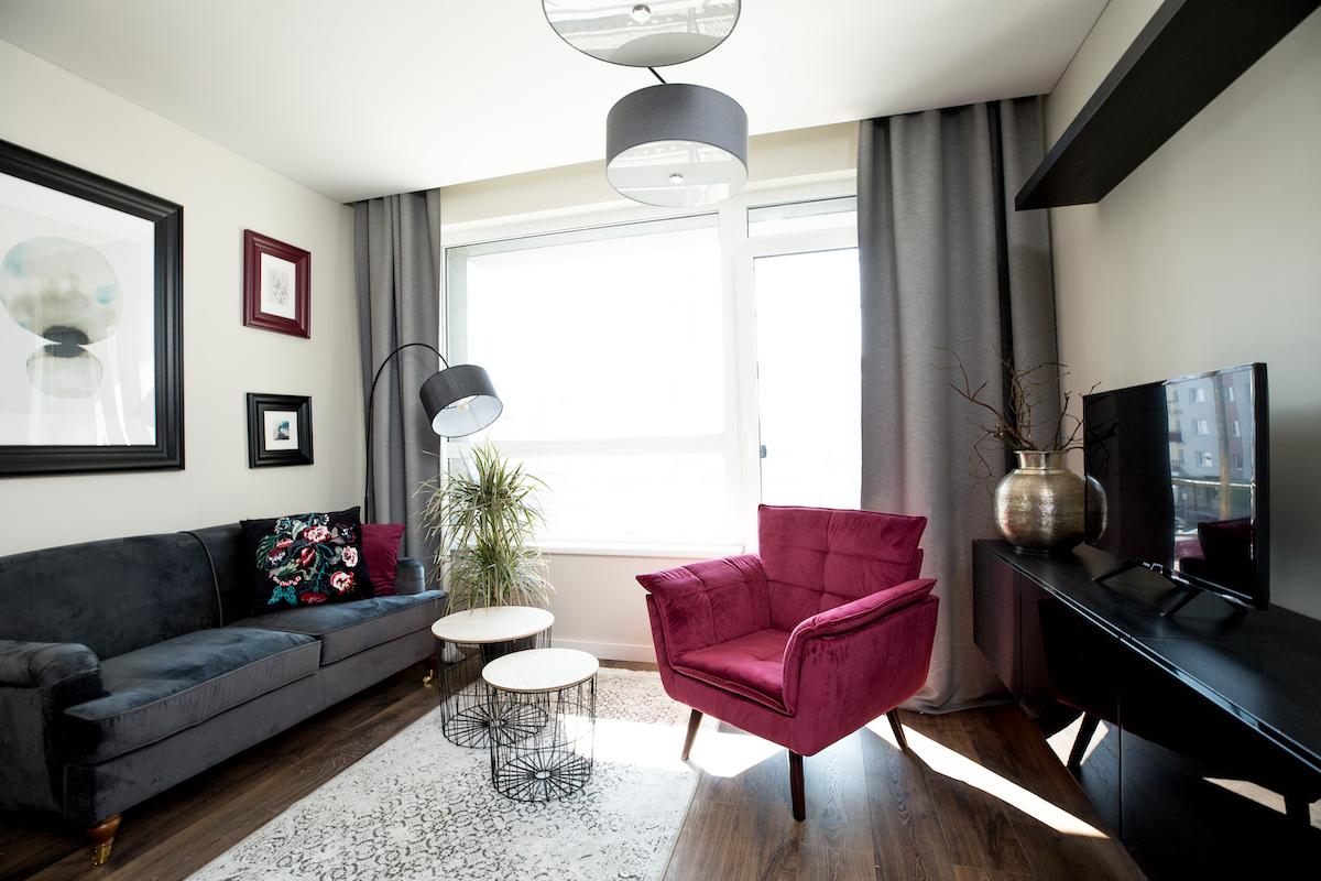 Darbas namuose: ekspertai pataria, kaip įsirengti erdvę ir joje dirbti produktyviai