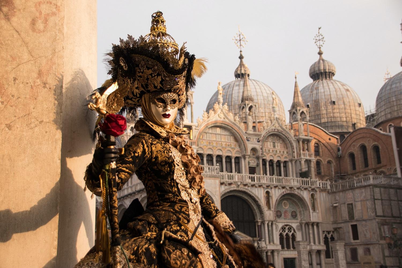 Itališki automobiliai, mados, kinas ir karnavalas: Vilniuje prasideda itališkos atostogos