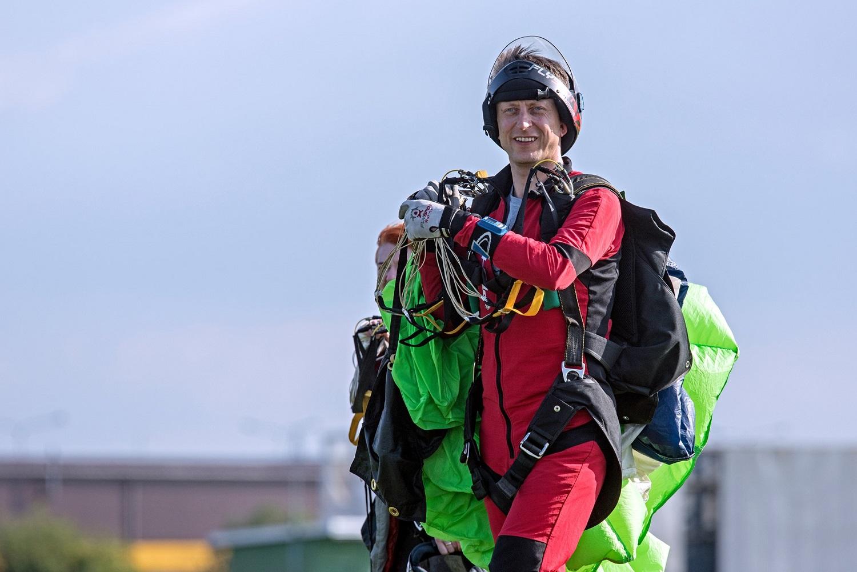 Parašiutai – penkiasdešimt sekundžių adrenalino