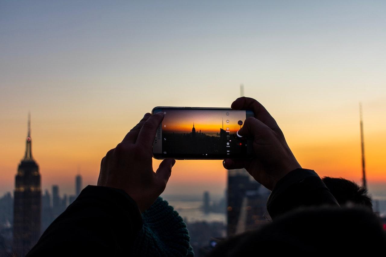 4 žingsniai, kaip užsidirbti iš telefonu darytų nuotraukų