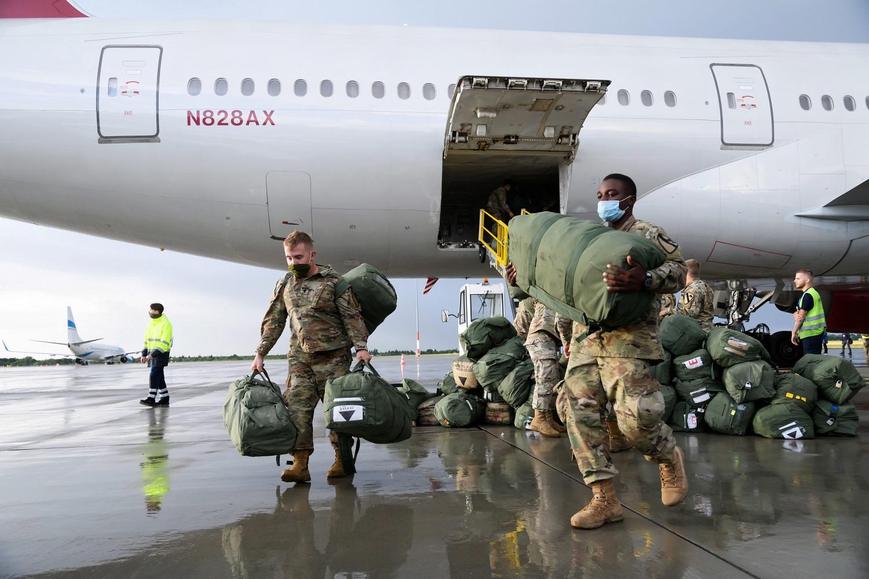 JAV artimiausiu metu pristatys karių Europoje perdislokavimo planus