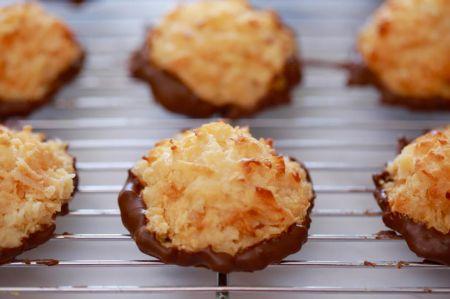Saldžiam pasirinkimui – kokosiniai sausainiai su šokoladu (video)