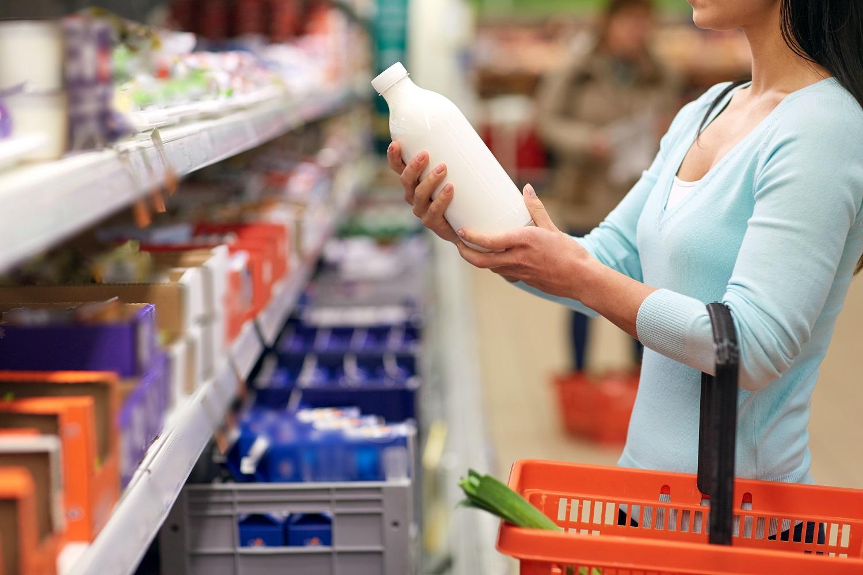 Pieno produktai: iš turgaus ar parduotuvės?